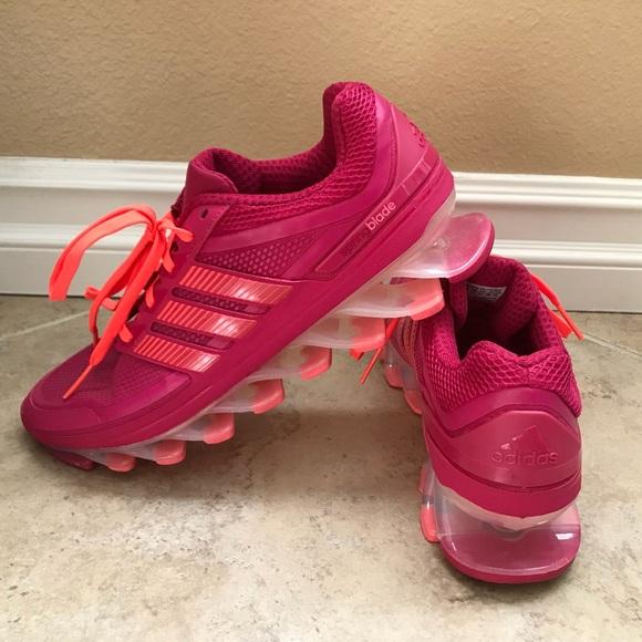 le adidas donne primavera lama poshmark